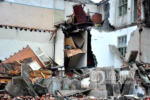 房屋坍塌现场