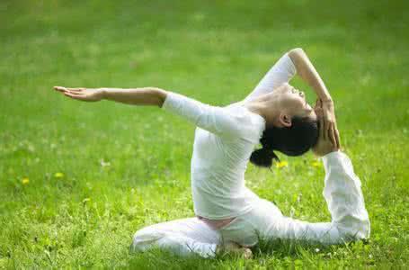 所有人都能练瑜伽?法媒盘点关于瑜伽的8大流言