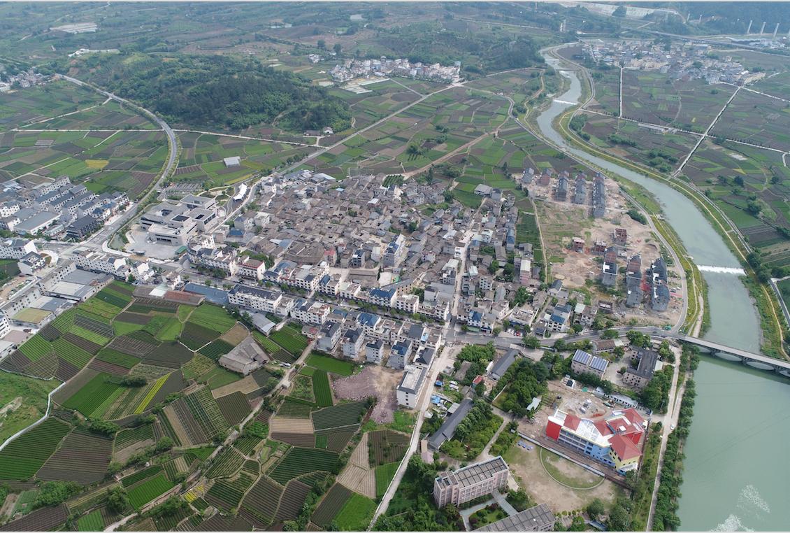 """新兴镇:美丽环境催生""""美丽经济""""小城镇环境综合整治显成效"""