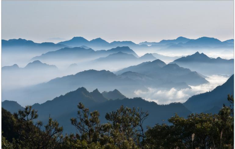 山中有瑰色,雾隐见人家——古朴龙南