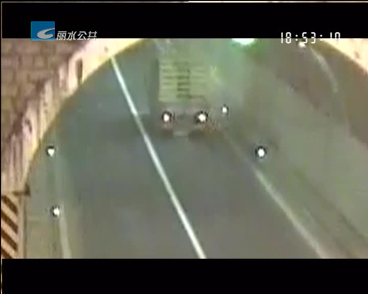 车上掉落一备胎 引来赔偿近十万