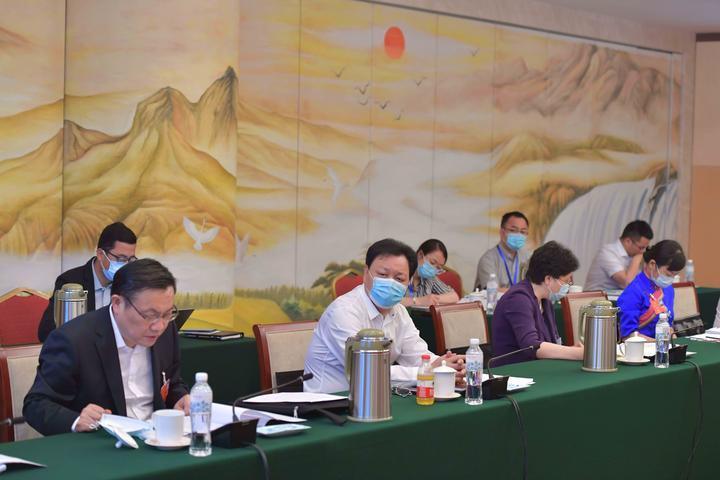 浙江代表团分组审议政府工作报告